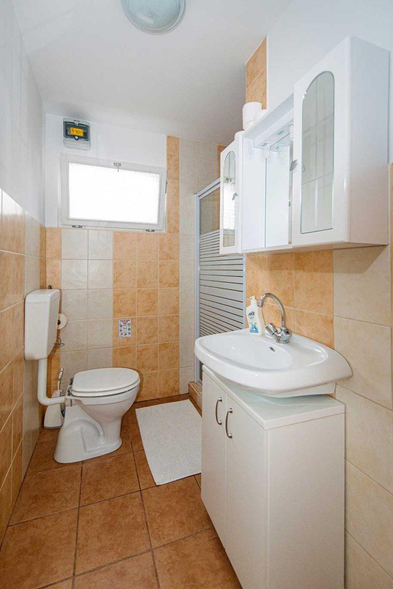 Katalin Lak - fürdőszoba